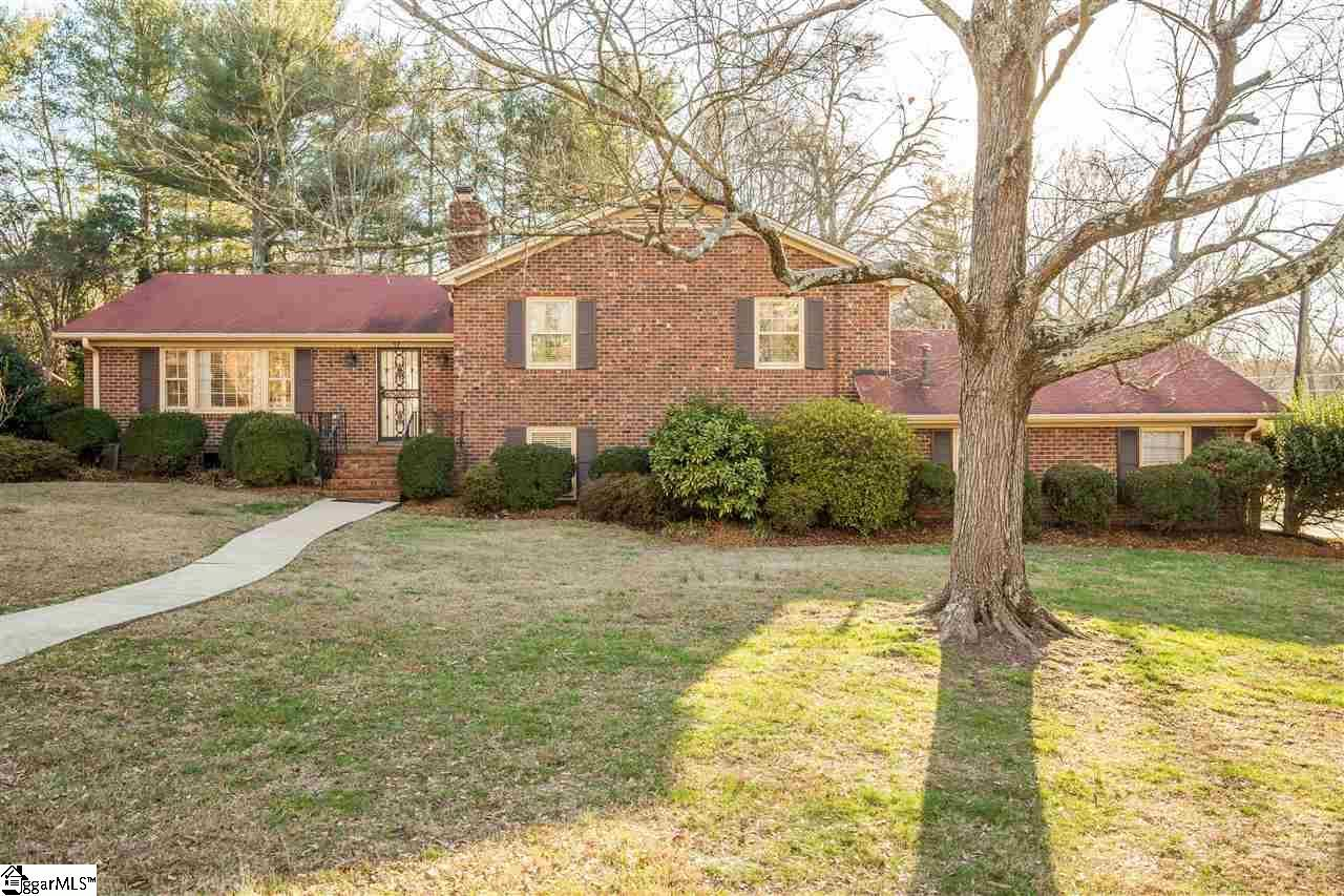 17 New Castle Way, Greenville, SC 29615 (#1336516) :: Hamilton & Co. of Keller Williams Greenville Upstate