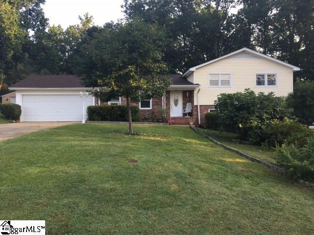 623 Heathwood Drive, Taylors, SC 29687 (#1348698) :: Hamilton & Co. of Keller Williams Greenville Upstate