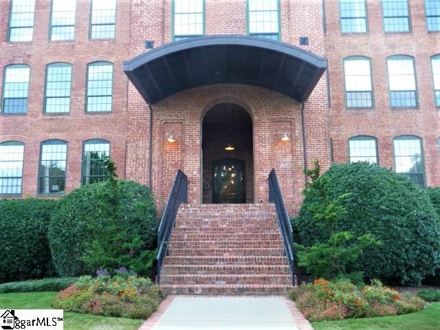 400 Mills Avenue Unit #218, Greenville, SC 29605 (#1352926) :: The Toates Team