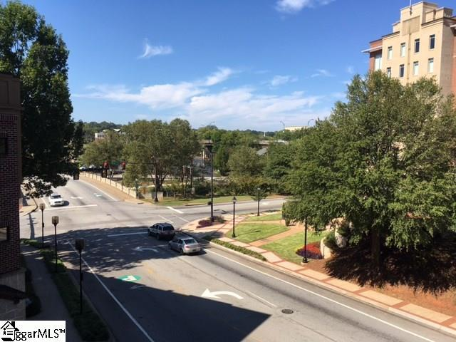 101 W Court Street #228, Greenville, SC 29601 (#1354053) :: Coldwell Banker Caine