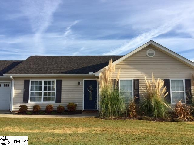 209 Hickory Rock Lane, Greer, SC 29651 (#1354668) :: Coldwell Banker Caine