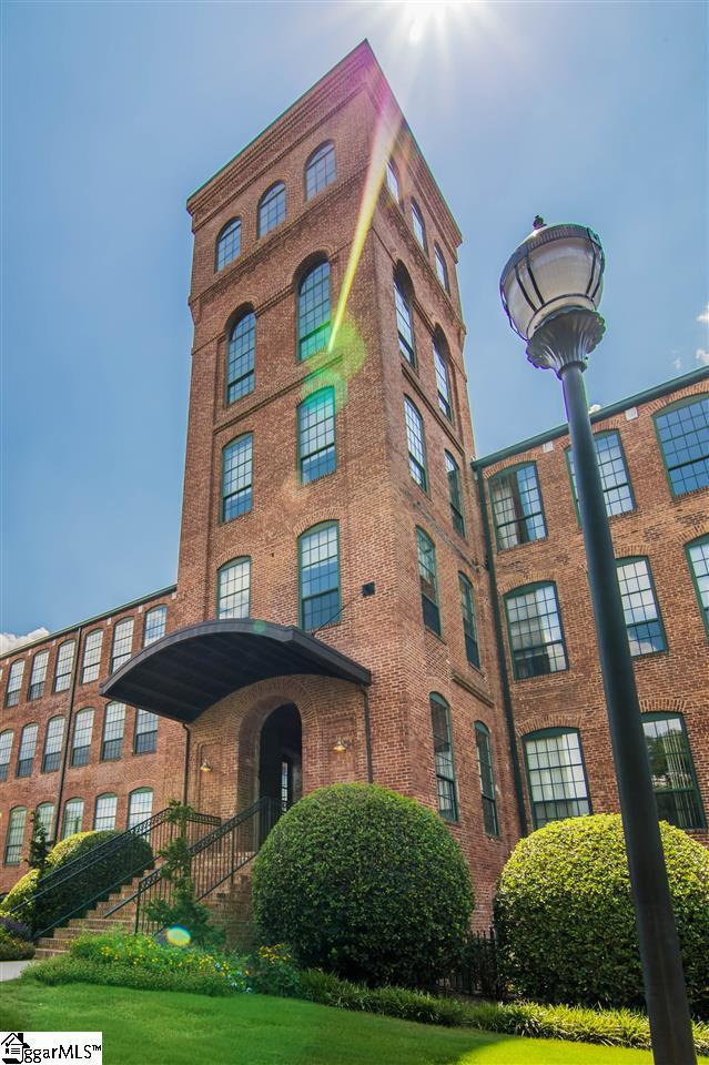 400 Mills Avenue Unit 424, Greenville, SC 29605 (#1355277) :: The Toates Team