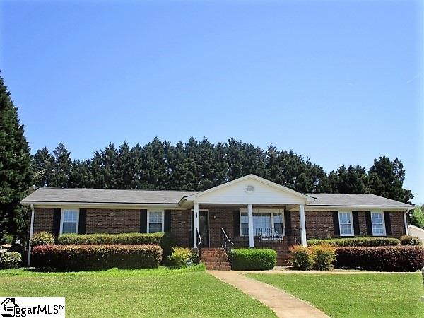 403 Robinall Drive, Easley, SC 29642 (#1366290) :: The Toates Team
