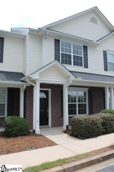 725 Rock Hill Court, Greenville, SC 29607 (#1373570) :: Coldwell Banker Caine