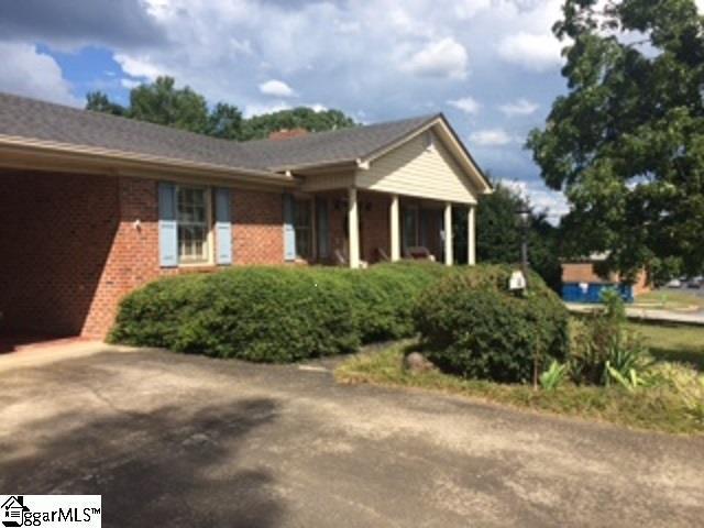 100 Carolina Avenue, Easley, SC 29640 (#1375565) :: The Toates Team