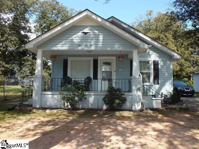 112 Buncombe Street, Greer, SC 29650 (#1378669) :: Hamilton & Co. of Keller Williams Greenville Upstate