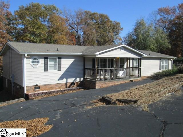 113 Point Drive, Townville, SC 29689 (#1381497) :: The Toates Team