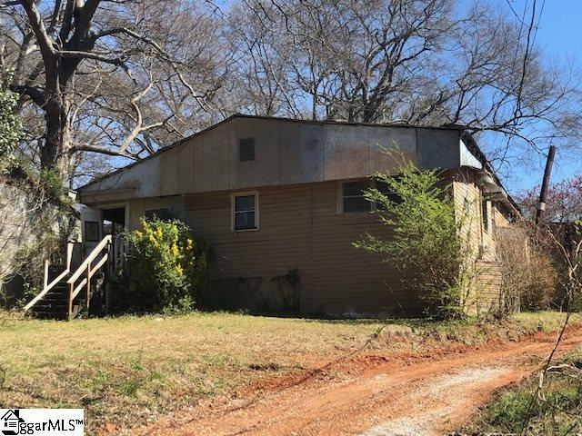 124 Robin Hood Road, Taylors, SC 29687 (#1388087) :: The Toates Team