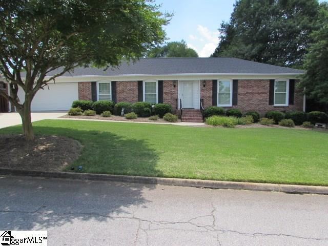 302 Sherborne Drive, Greenville, SC 29615 (#1394914) :: The Toates Team