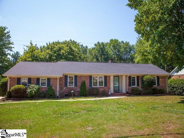108 Leyswood Drive, Greenville, SC 29609 (#1399017) :: The Toates Team