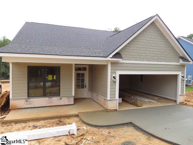 203 Kennedy Lane, Powdersville, SC 29673 (#1403647) :: Dabney & Partners