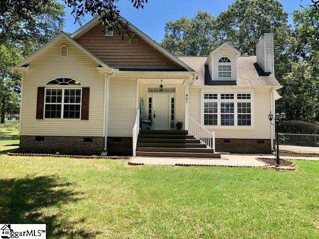 401 Norris Highway, Central, SC 29630 (#1422542) :: The Haro Group of Keller Williams