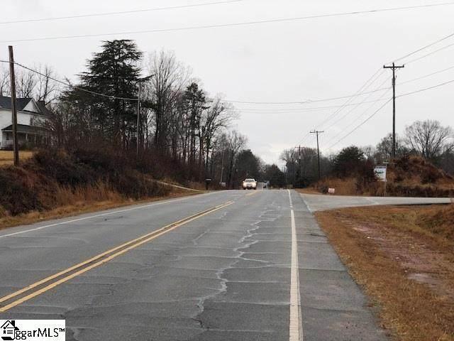 3900 N Highway 101, Greer, SC 29651 (#1435252) :: The Toates Team