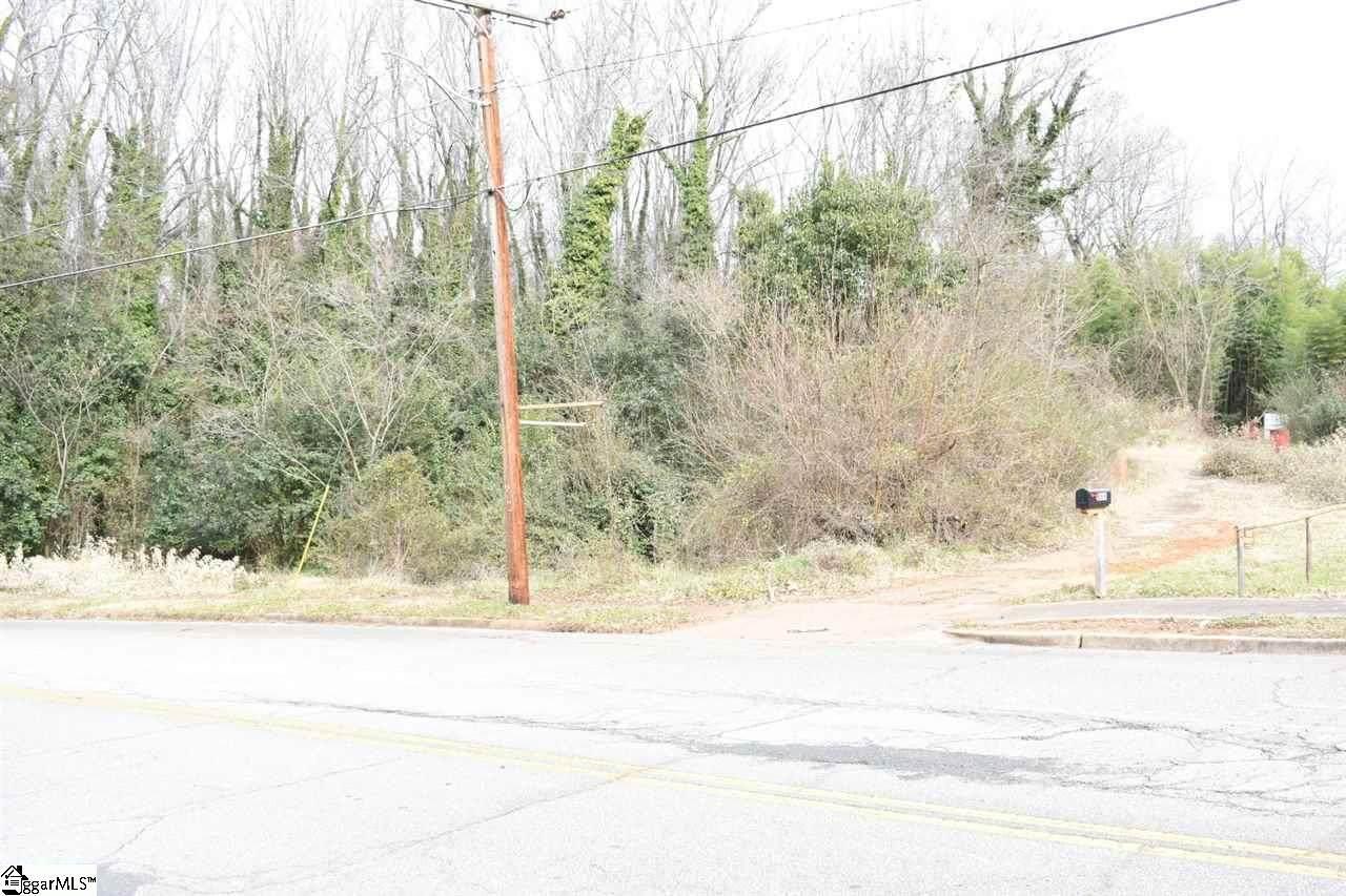 566 Wildwood Drive - Photo 1