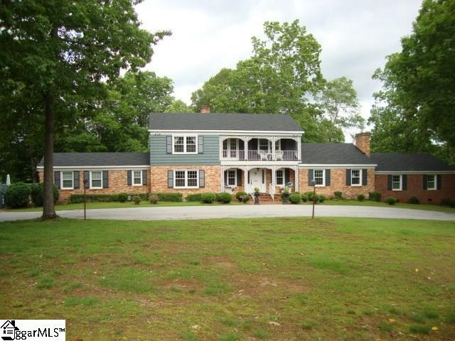 1415 Thornwood Drive, Spartanburg, SC 29302 (#1329673) :: The Haro Group of Keller Williams