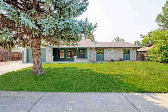 2441 Applewood Place, Grand Junction, CO 81506 (MLS #20204100) :: The Danny Kuta Team