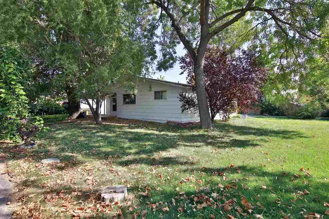 3070 E 1/2 Road, Grand Junction, CO 81504 (MLS #20205194) :: The Kimbrough Team | RE/MAX 4000
