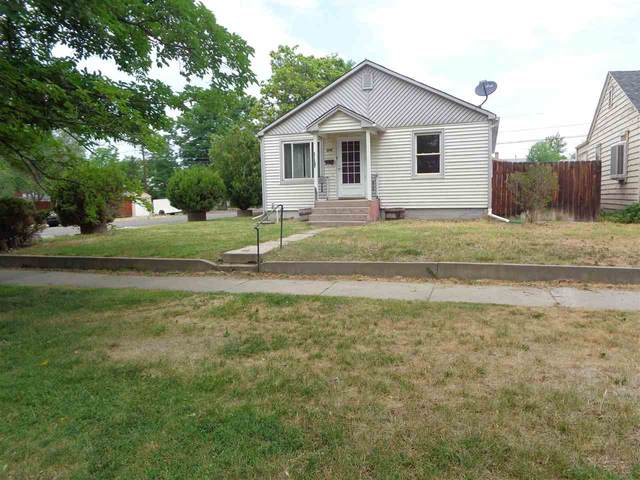 904 Teller Avenue, Grand Junction, CO 81501 (MLS #20213706) :: The Kimbrough Team | RE/MAX 4000