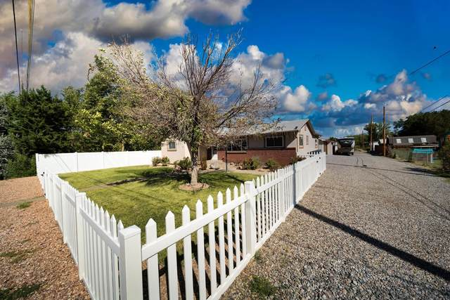 2756 B 1/2 Road, Grand Junction, CO 81503 (MLS #20214526) :: Lifestyle Living Real Estate