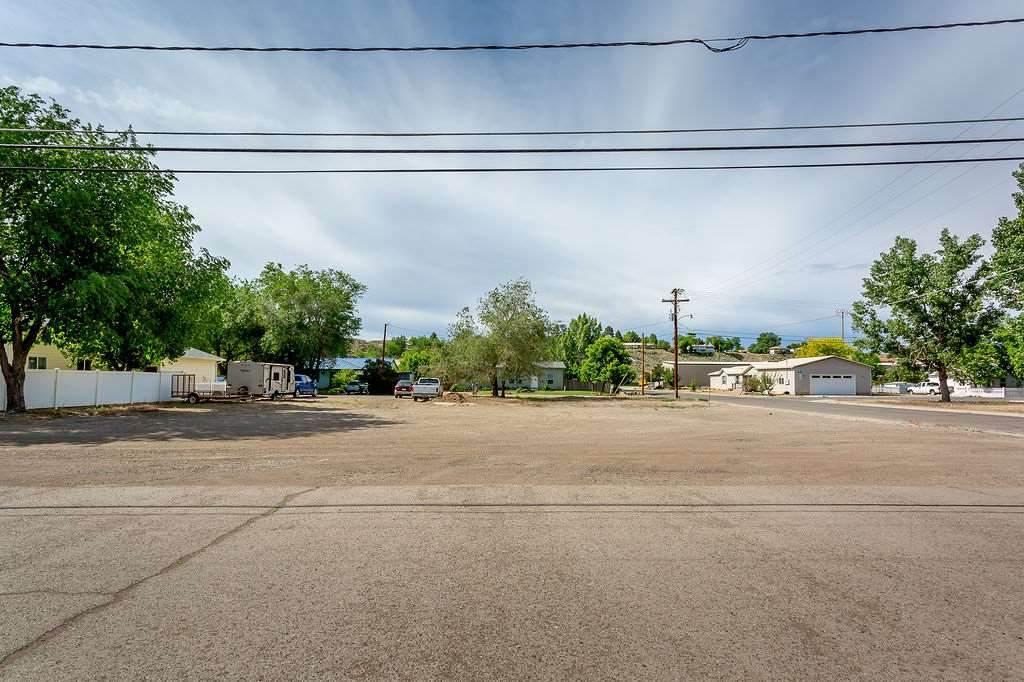 402 Lake Street - Photo 1