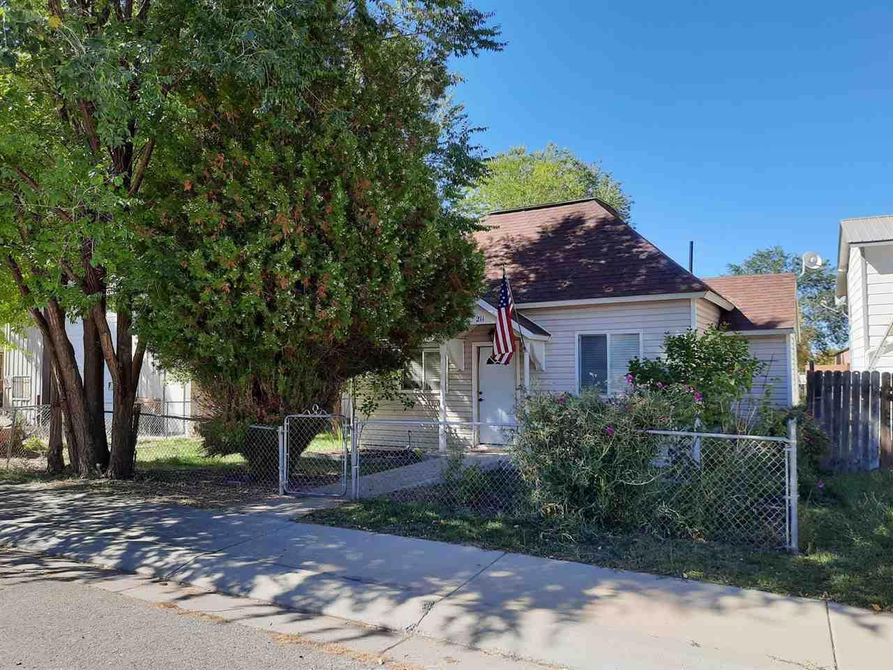211 Plateau Avenue - Photo 1