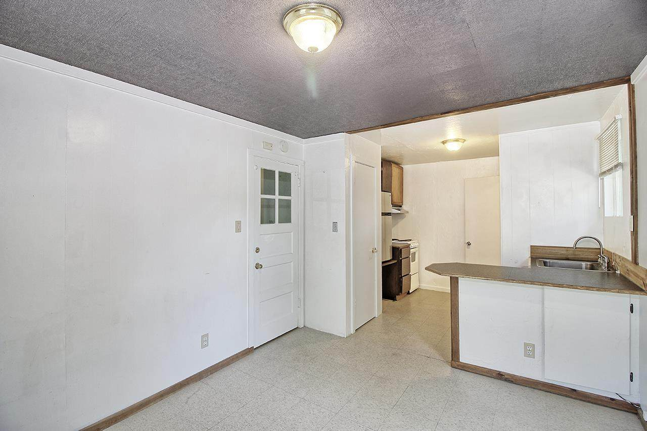 220 Bower Avenue - Photo 1