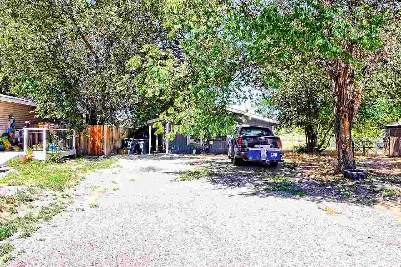 307 Acoma Drive - Photo 1