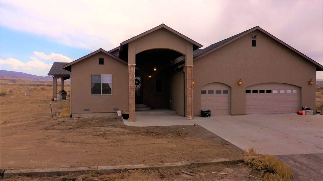 6056 Peach Valley Road - Photo 1