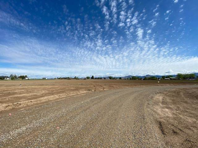 2240 L Road, Grand Junction, CO 81505 (MLS #20212143) :: The Grand Junction Group with Keller Williams Colorado West LLC