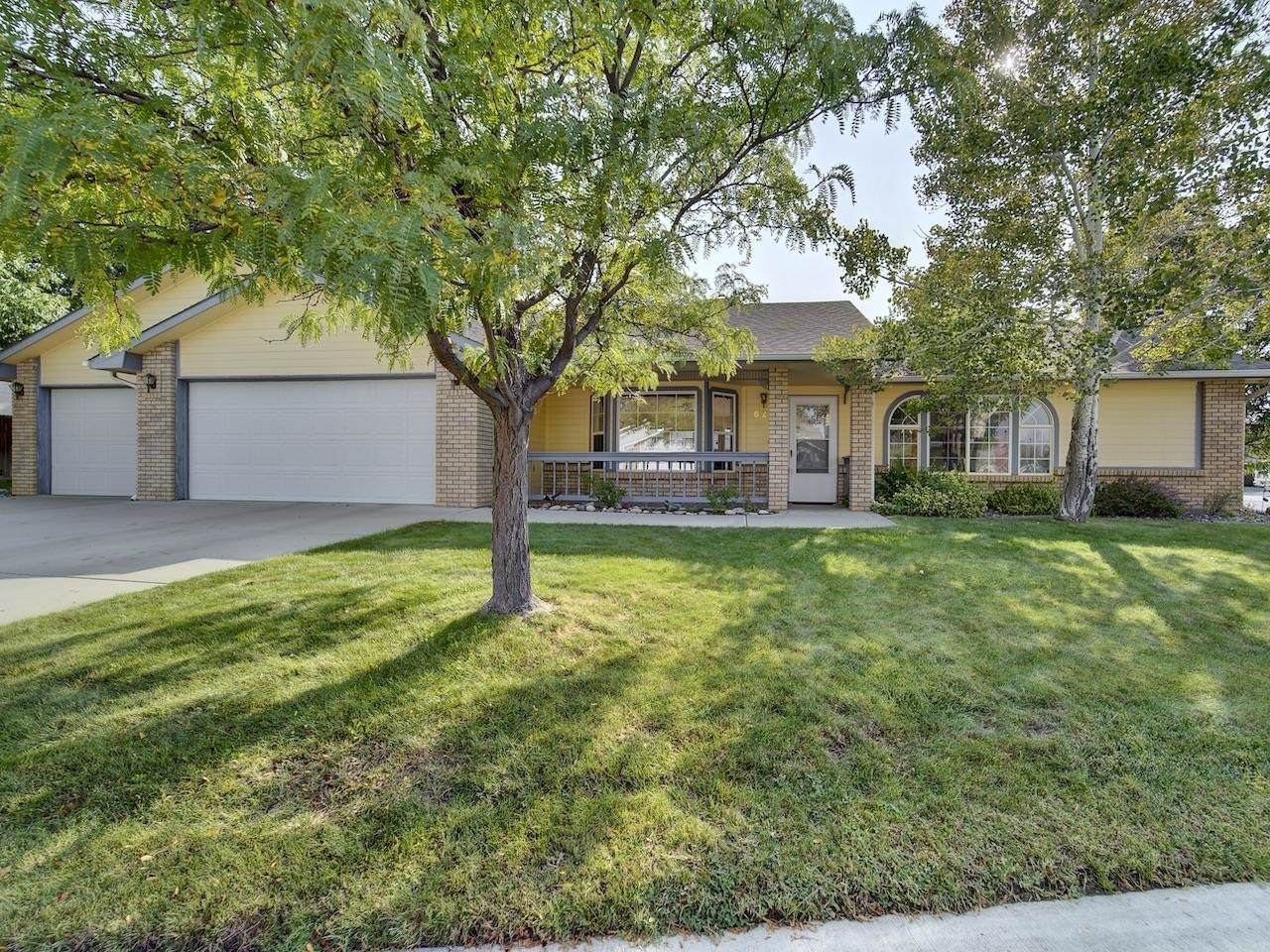 626 Clearwater Court - Photo 1
