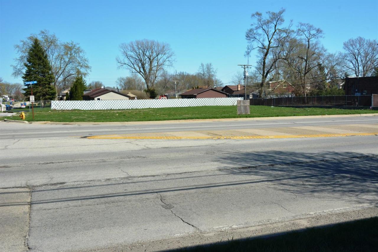 9923 Roberts Road - Photo 1