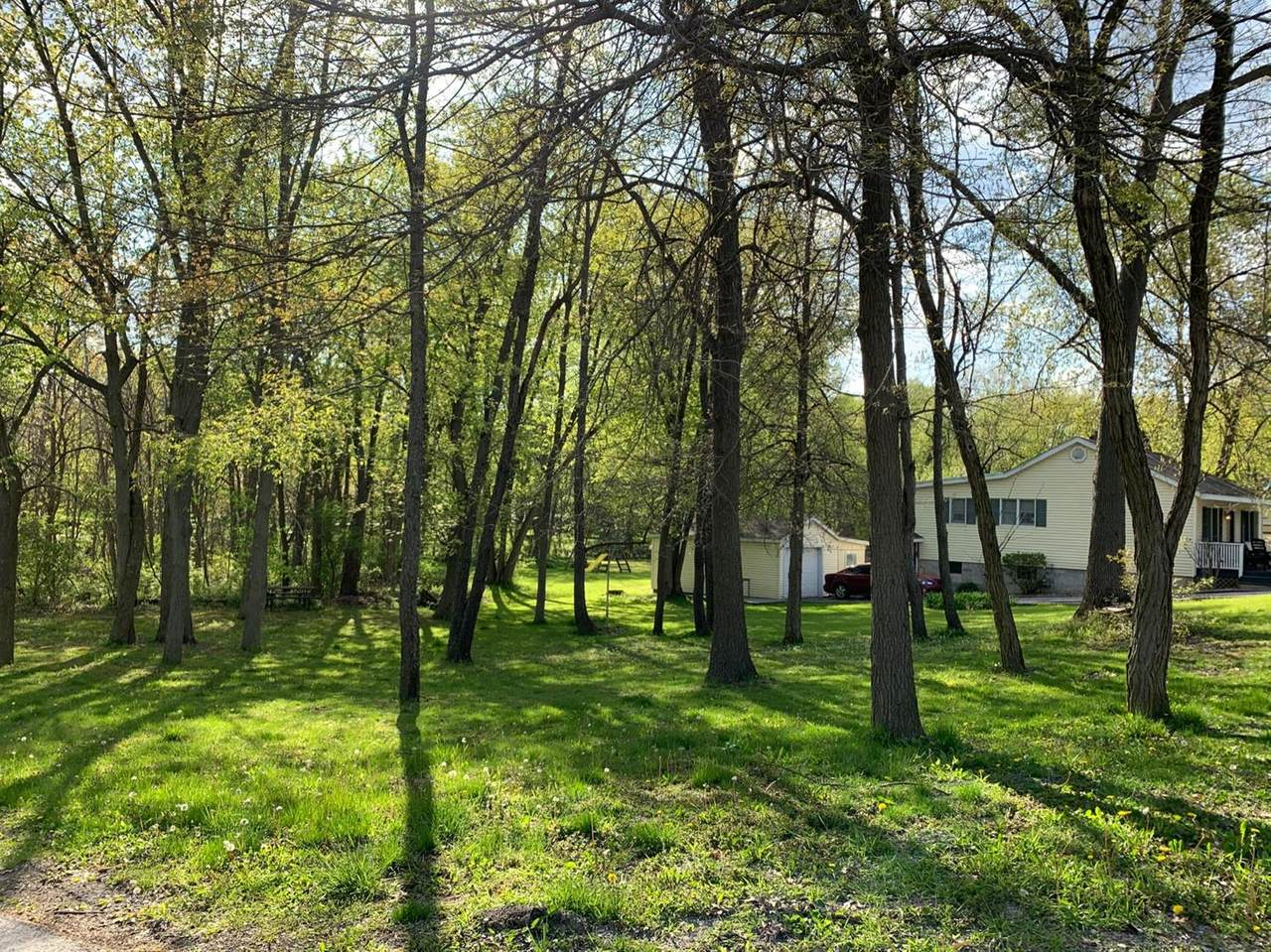 760 Lakeview Drive - Photo 1