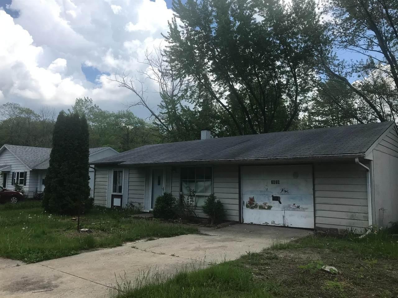 2825 Springland Avenue - Photo 1