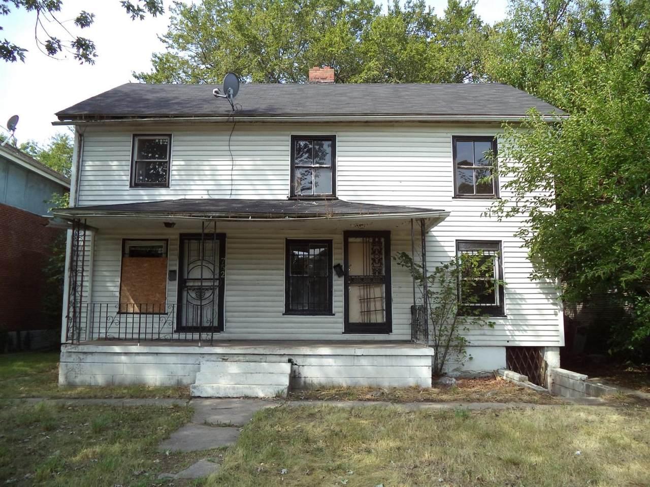 750-52 Van Buren Street - Photo 1