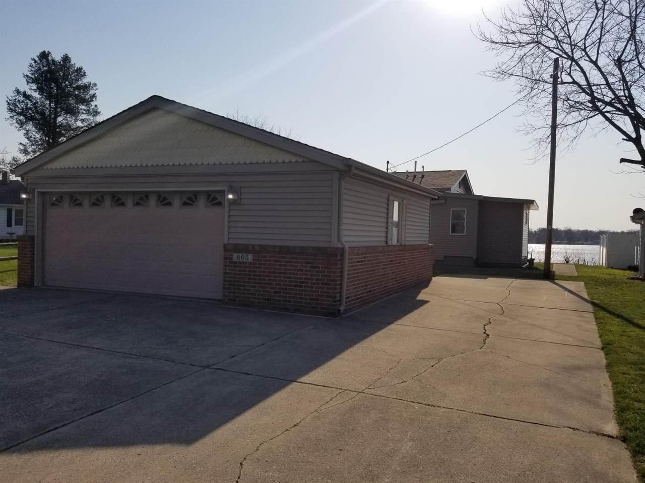 605 Glenwood Drive - Photo 1