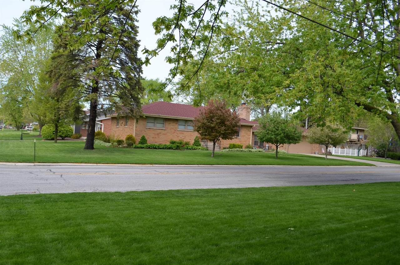 1233 Broadmoor Avenue - Photo 1