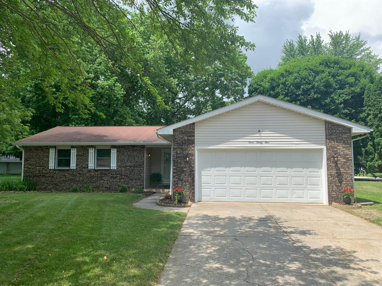 335 Independence Drive - Photo 1