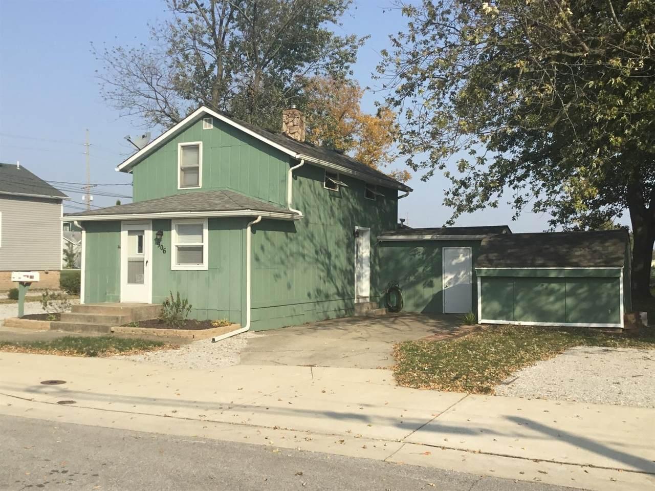 906 Clark Street - Photo 1
