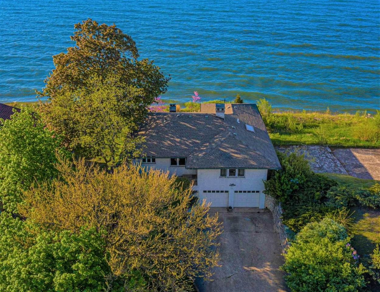 84 Shore Drive - Photo 1