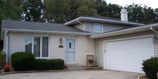 1909 Loganberry Lane, Crown Point, IN 46307 (MLS #420537) :: Carrington Real Estate Services