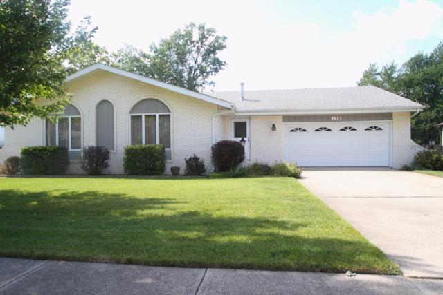 129 Vickroy Drive, Crown Point, IN 46307 (MLS #421054) :: Rossi and Taylor Realty Group