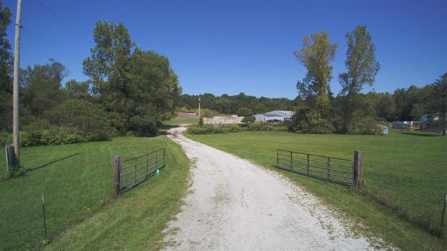 9565 W Snyder Road, Laporte, IN 46350 (MLS #442036) :: Rossi and Taylor Realty Group