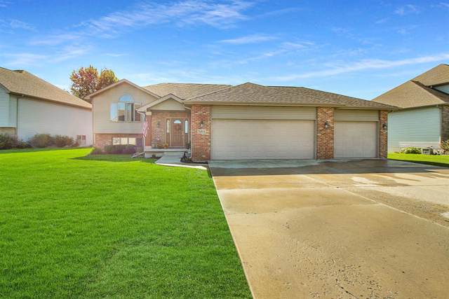 5811 Wildrose Lane, Schererville, IN 46375 (MLS #464362) :: Rossi and Taylor Realty Group
