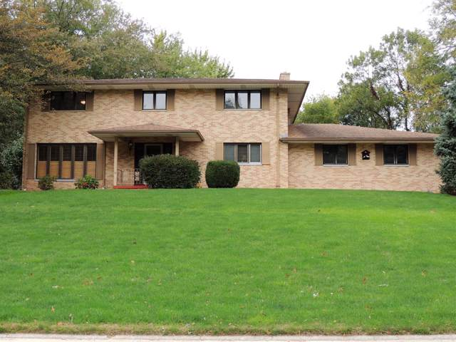 2007 Old Oak Drive, Valparaiso, IN 46385 (MLS #464747) :: Lisa Gaff Team