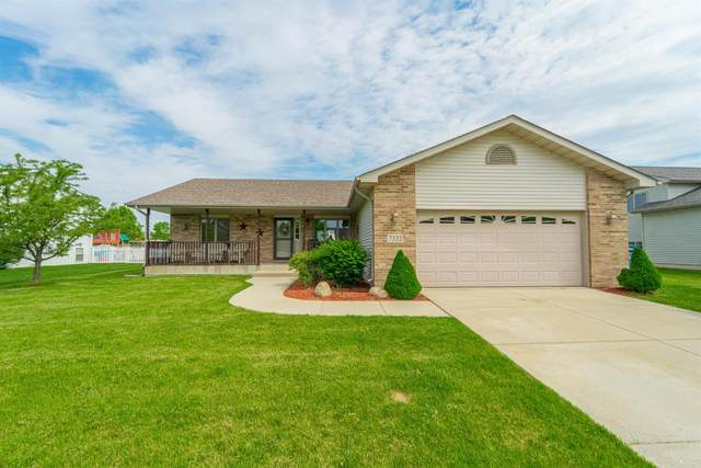 7332 W 92nd Avenue, Crown Point, IN 46307 (MLS #475272) :: Rossi and Taylor Realty Group