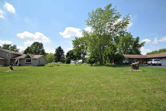 2385 Four Seasons Parkway, Crown Point, IN 46307 (MLS #477278) :: Rossi and Taylor Realty Group