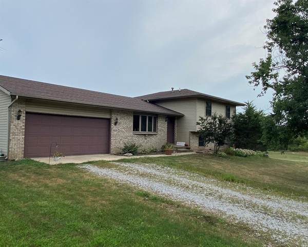 8305 W 159th Avenue, Lowell, IN 46356 (MLS #480925) :: Rossi and Taylor Realty Group