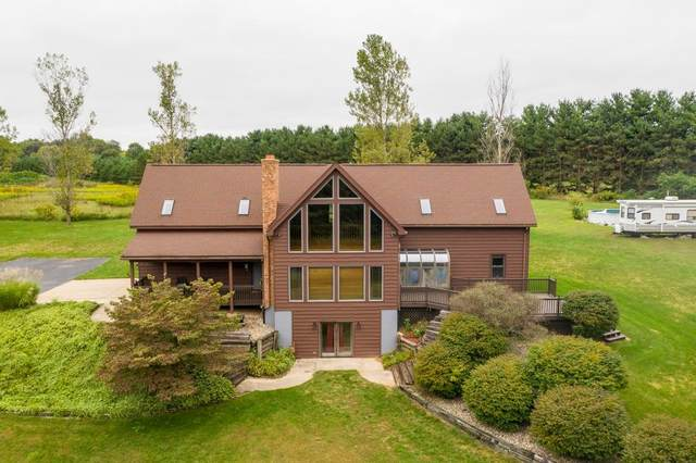 8089 E Walnut Ridge Drive, New Carlisle, IN 46552 (MLS #481516) :: McCormick Real Estate