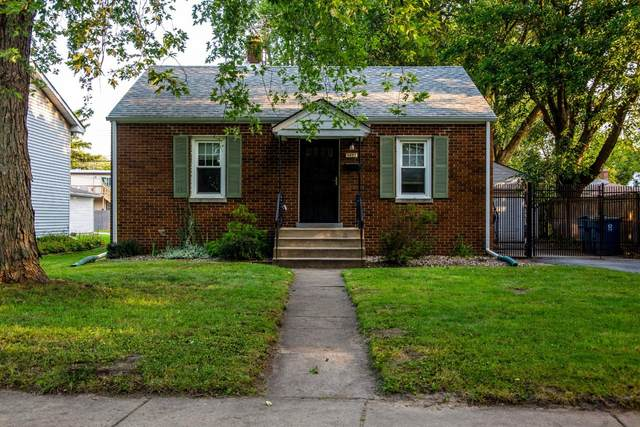 2627 Parkway Drive, Highland, IN 46322 (MLS #481732) :: Rossi and Taylor Realty Group