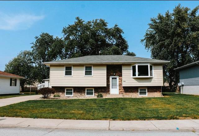 1824 E 38th Place, Hobart, IN 46342 (MLS #482264) :: Rossi and Taylor Realty Group